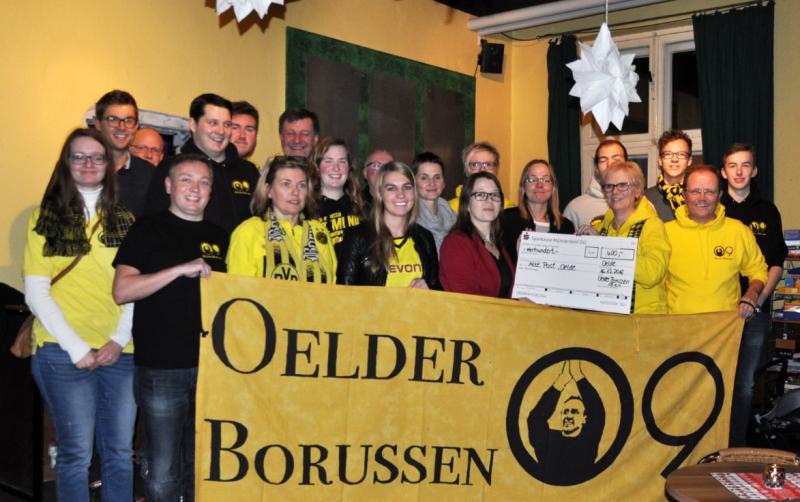 Jugendwerk freut sich über Spende der Oelder Borussen 09